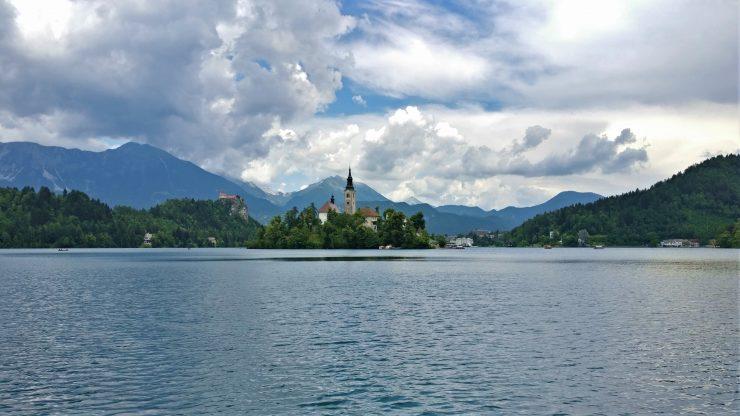 Bledo ežeras Slovėnijoje: romantikams ir ne tik