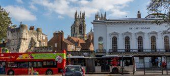 Saulėtoji Anglija: Įsivažiavimas į atostogas