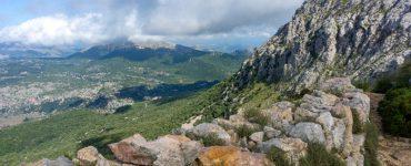 Maljorka: tarp sausų akmenų