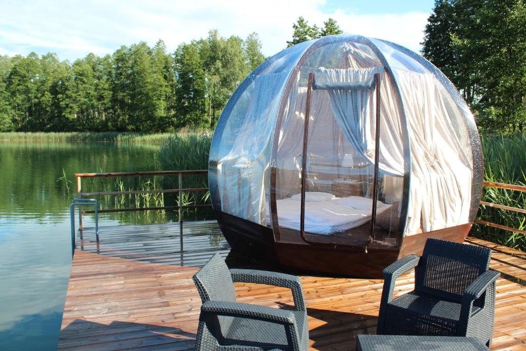 """Išskirtinės nakvynės vietos Lietuvoje - """"Oasis dome"""" Varėnos raj."""