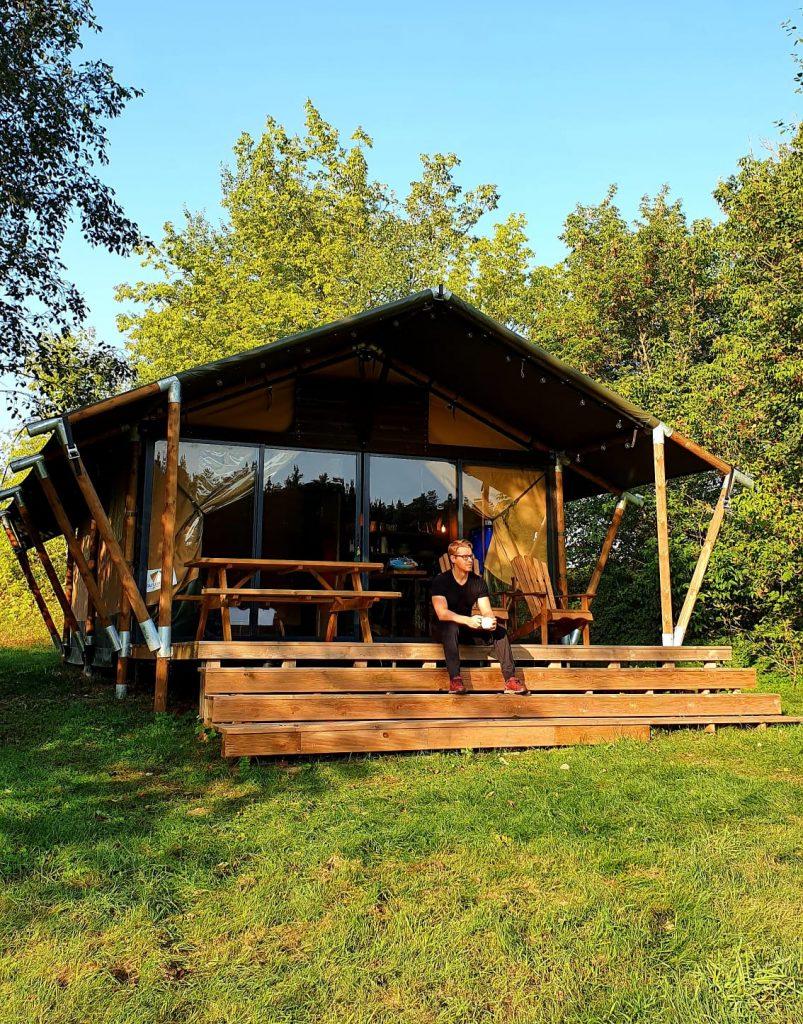 Įpatinga nakvynės vieta Lietuvoje - Safari palapinė šalia elnių Elektrėnų raj.